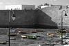 Cadix (hans pohl) Tags: espagne andalousie cadix bateaux ships murs walls noiretblanccoloré blackandwhite recoloured architecture lampadaires