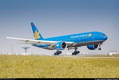 [CDG.2011] #Vietnam.Airlines #VN #B772 #VN-A151 #AWP (CHR / AeroWorldpictures Team) Tags: vietnam airlines boeing 7772q8 er msn 27608 164 eng ge ge9092b reg vna151 history aircraft first flight built everett pae delivered aeroflot russian su afl leased ilfc vpbau config cabin tsf vietnamairlines vn hvn c35y290 nordwindairlines n4 nws aercap vqbud b777 b772 777 772 asian airways planespotting paris cdg roissy lfpg france nikon d80 zoomlenses nikkor 70300vr raw lightroom aeroworldpictures