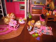 Practicing her reading (flores272) Tags: kellydoll kelly kellyclubdolls barbieslittlesister barbie barbiedoll dollfurniture barbiehouse toydog pet barbiepet skipperdoll