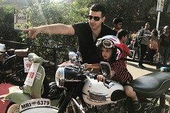 _8299 (Yazed Lord) Tags: vintage rally feb2018 mumbai horniman circle bike bikes