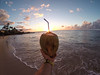 F100011044 (jesusgarvin) Tags: verano vacaciones coco mano bebida cocktail sostener tropical playa atardecer paisaje unapersona hombre