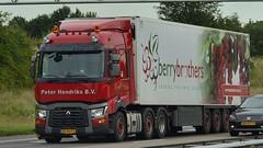 NL - Peter Hendriks >berrybrothers< Renault Range T (BonsaiTruck) Tags: peter hendriks berrybrothers renault range lkw lastwagen lastzug truck trucks lorry lorries camion caminhoes