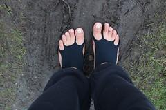 IMG_1218 (bfe2012) Tags: barefoot barefeet barefooting barefooted barefooter barefoothiking barefootlifestyle feet dirtyfeet toughsoles