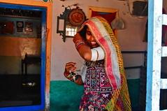 India- Gujarat- Ludia village (venturidonatella) Tags: asia gujarat kutch persone people portrait ritratto gentes colori colors nikon d300 nikond300 emozioni tribe minorities minoranza donna donne women woman rannofkutch ludia ludiavillage
