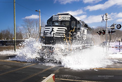 NS-H02 Snow Blast on a Sunday at Netcong NJ (bozartproductions) Tags: snow trains engine norfolk southern netcong new jersey boonton line transit 3010 diesel locomotive ns h02