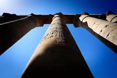 Luxor (Gwenaël Piaser) Tags: egypt january 2018 janvier january2018 temple ancientegypt unlimitedphotos gwenaelpiaser canon eos 6d canoneos eos6d canoneos6d fullframe 24x36 reflex rawtherapee 1740mm ef1740mmf4lusm canonef1740mmf4lusm seriel zoom lseries arabrepublicofegypt مِصر miṣr مَصر maṣr ⲭⲏⲙⲓ luxor colonnes column hiéroglyphe hieroglyphs sky contreplongée ruins ancient cartouche