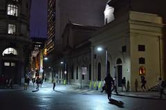 Transeúntes nocturnos. (luisarmandooyarzun) Tags: ngc panoramica panorama photographyphotographerturismo photographyphotographer fotografía catedral avenidademayo city citycape ciudad transeúntes gente iluminación luces street streetscape nikond3100 nikon urbana calle noche nocturna argentina