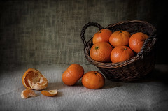 Mandarinas (JACRIS08) Tags: stilllife naranja orange fruta luz light
