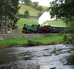 Across The Water (Tanllan) Tags: wllr welshpool llanfair light railway wales heritage tourist railroad steam train joan kerr stuart 062t bagnall superb loco locomotive river water