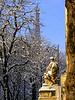 Statue du Grand Palais (Raymonde Contensous) Tags: statue toureiffel grandpalais arbres neige paris