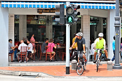 Tin Yeang Restaurant (SINGAPORE) (ID Hearn Mackinnon) Tags: tin yeang chinese china restaurant singapore singaporean 2017 asia asian south east food cuisine eatery eating dining people culture street cyclists