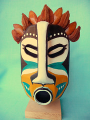 Masque tribal (ANNYIA) Tags: recycling recyclage plastique bidon masque mask tribal