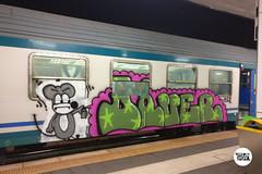 http://stolenstuff.it   DAVER - HKOZ (stolenstuff) Tags: stolenstuff graffitiblog check4stolen running benching graffiti graffititrain diretto daver hkoz