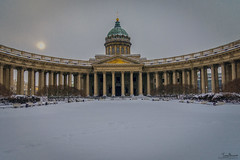 Kazan Cathedral (Tony_Brasier) Tags: icecold snowing cathedral nikond7200 sky sun trees people sigma snow 1750mm lovely location statues saintpetersburg russia raw