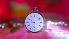 What Time is it ? (YᗩSᗰIᘉᗴ HᗴᘉS +13 000 000 thx) Tags: whattimeisit clock montre time hour today macro bokeh hensyasmine yasminehens bokehlicious beyondbokeh color pink red aaa