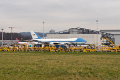 Air Force One (*** Joe Wild ***) Tags: plane planespotting flying aircraft planespotter airbus instaaviation airport travel aviationlovers planelovers fly pilotelife instatravel pilot megaplane airbusgroup world planeporn flight airliner boeing airlines boeinglovers instagramaviation pilotlife instaplane avgeek avporn spotting trump donald usa america amerika davos wef 2018 unitedstatesodamerica united states schweiz swiss zürich zurich