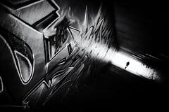 graffiti (Sandy...J) Tags: germany deutschland darkness dunkelheit durchgang urban underpass light street streetphotography sw schwarzweis strasenfotografie silhouette noir photography passage atmosphere alone atmosphäre blackwhite bw black white monochrom fotografie city stadt wall wand dark contrast sony rx100 tunnel