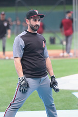 Diamondback Daniel Descalso (peterkelly) Tags: minneapolis minnesota targetfield arizonadiamondbacks danieldescalso digital northamerica us usa unitedstatesofamerica unitedstates mlb baseball field diamond battingpractice bat hat gloves beard player canon 6d