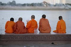 River Meditation (fredMin) Tags: buddhism novice travel asia tonlé sap river monks phnom penh cambodia fujifilm xt1 56mm