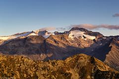 Alpi Aurine all'alba (cesco.pb) Tags: valleaurina zillertaleralp sudtirol altoadige alps alpi alba dawn sunrise montagna mountains italia italy canon canoneos60d tamronsp1750mmf28xrdiiivcld