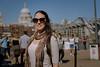 De paseo al sol (gianmb1) Tags: england europa europe london londres maríagabriela milleniumbridge portrait saintpaul southbank uk unitedkingdom retrato gb