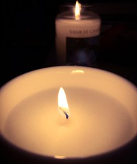 Candlelit. 43/365 (jenwuk) Tags: 43365 dof home iphone warmth fire light dark yankeecandle yankee wick flame candle