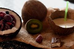 Noix de coco (korrigane.bzh) Tags: noix de coco lait kiwi
