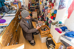 Zürich, 13. Februar 2018 (karlheinz klingbeil) Tags: zürich wollgeschäft collant stricken woolshop schweiz manninstrumpfhose tights fashion city knitting strumpfhose mode menintights stadt