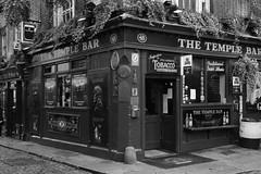 Dublin Pub (A Costigan (Off for a while)) Tags: templebar dublin pub publichouse bar monochrome blackandwhite canon eos ireland irish canon80d tavern building