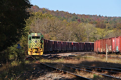 Mehoopany shunt (Bingley Hall) Tags: rail railway railroad transport train transportation trainspotting locomotive engine america usa pa pennsylvania mehoopany gp30 emd readingnorthern rbmn freight boxcar