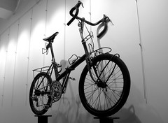 Vroom...Vroom (Shu-Sin) Tags: raleigh twenty 20 folder folding bicycle bike english custom modified butchered randonneur campeur camping touring black white display racks collapsible