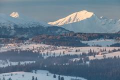 Western Tatra Mountains (Kajfash) Tags: canoneos5dmarkii canonef70300mmf456lisusm tatry tatryzachodnie westerntatra tatramountains landscape krajobraz poranek morning winter zima nature natura bachledówka błyszcz bystra poland polska słowacja slovakia