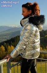 Melli@Pfänder, 11/17. (IchWillMehrPortale) Tags: bodensee pfänder melli mellie melliengel engel aussicht bregenz vorarlberg bergwelt herbst daunenjacke shiny schön indiansummer panorama weitblick ichwillmehr