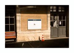 2 minutes d'arrêt (hélène chantemerle) Tags: gare soleil lumière ombre bayeux normandy train station sun light shadow