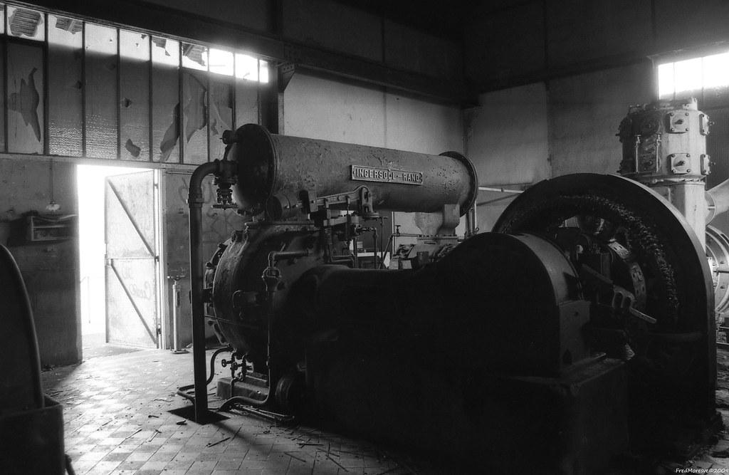 The world 39 s best photos of fricheindustrielle flickr for Usine desaffectee exterieur