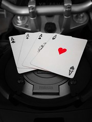 Red heart....♥️ (carlesbaeza) Tags: heart cor corazón red vermell rojo love motorcycle motorrad yamaha amor