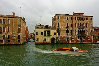 Venezia / Canale della Misericordia / Rio de Santa Caterina / Ca' Pesaro Papafava