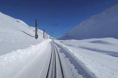 MGB - Oberalp Pass (Kecko) Tags: 2018 kecko switzerland swiss schweiz suisse svizzera innerschweiz zentralschweiz uri oberalp pass oberalppass matterhorngotthardbahn railway railroad mgb eisenbahn bahn track gleis winter schnee snow stafler bort swissphoto geotagged geo:lat=46655910 geo:lon=8641720