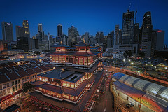 TOOTH RELIC TEMPLE (ChieFer Teodoro) Tags: canon 1635mm 6d arca swiss gitzo landscape cityscape nightscape singapore chinatown chinese new year cny tooth relic temple museum blue hour