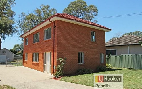 12 Barker St, Cambridge Park NSW 2747