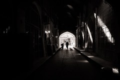 Light Games (Tom Levold (www.levold.de/photosphere)) Tags: fuji fujixpro2 isfahan xf18mm sw bazaar bw basar esfahan shadows schatten architektur architecture gegenlicht backlight
