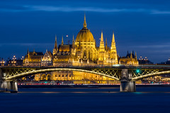 IMG_00555 (maro310) Tags: 2018 365project 70d budapest canon danube donau duna felheviz houseofparliament hungary magyarorszag margaretbridge margithid orszaghaz parlament architecture blue bluehour bridge building city colours epiteszet epulet folyo hid outdoor parliament river riverfont sightseeing sky tel twilight urban varosnezes water waterfront winter 250v10f