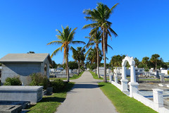 Key West (Florida) Trip 2017 7468Ri 4x6 (edgarandron - Busy!) Tags: florida keys floridakeys keywest keywestcemetery grave graves