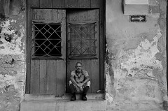 Camagüey - Cuba - 03-2017 (No.Made) Tags: cuba camagüey portrait noiretblanc blackandwhite monochrome streetphotography photoderue people cubain blancoynegro portraitderue streetscene