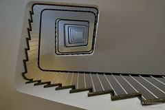 Treppenhaus Explored (Frank Guschmann) Tags: treppe treppenhaus frankguschmann nikond500 d500 nikon staircase stairwell escaliers architektur stairs stufen steps explored explore berlin