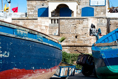 To take a nap (KPPG) Tags: 7dwf freetheme morocco essaouria marokko hafen harbour africa afrika boote boats colorful farbenfroh boot