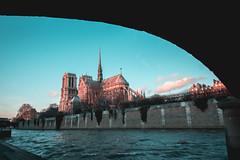 La ville de rêves (Lemon.GraZ) Tags: notre dame paris sunset church seine city architecture