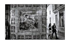 Azulejos de Triana (mgarciac1965) Tags: triana sevilla seville seviglia andalucía andalucia andalusia españa spain espagne nikon d5200 nikond5200 people city light street blackandwhite