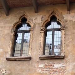 Two windows (Navi-Gator) Tags: windows italy architecture verona square
