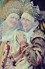 Russian ladies (Aránzazu Vel) Tags: disguise mujer woman portrait retrato venicecarnival2018 carnevalevenezia2018 costume mask marchera carnaval venezia